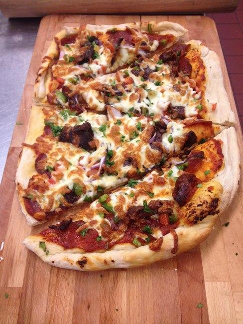 Пицца в гавайском стиле