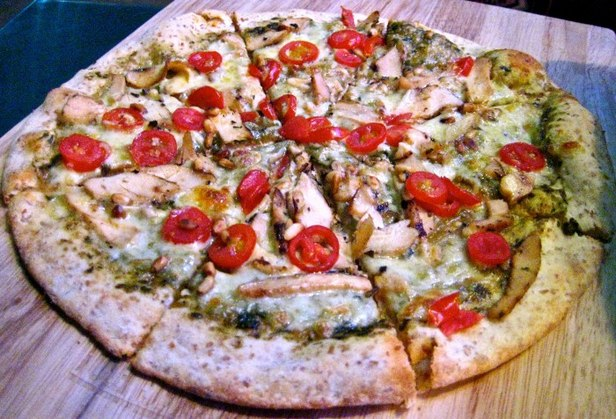 Пицца с курицей по-гречески