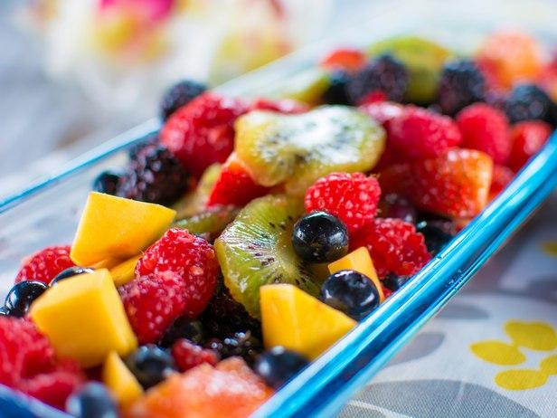 Гавайский салат из свежих фруктов