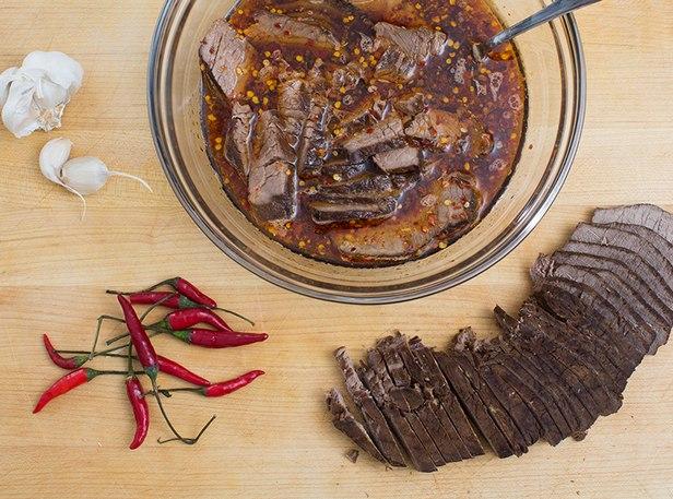 Жареная говядина, маринованная в соусе терияки