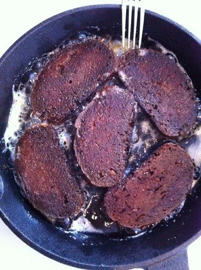 Домашняя ирландская колбаса «Черный пудинг»