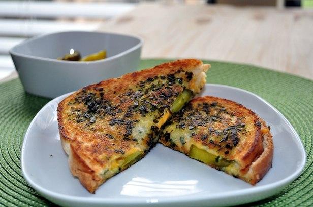 Фото Горячие сэндвичи с сыром по-ирландски