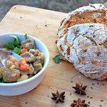 Традиционное ирландское рагу с домашним хлебом