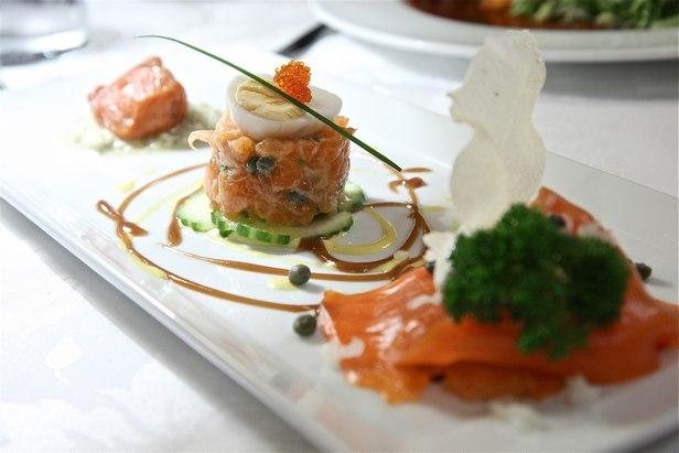 Фото Миллефолье с копченым диким ирландским лососем