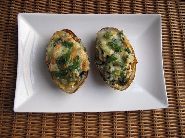 Фото Печеный картофель, фаршированный колканноном