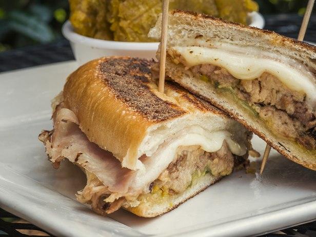 Фото Кубинские сэндвичи с сыром проволоне и свининой