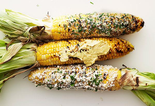 Фото Запеченная на гриле кукуруза по-кубински