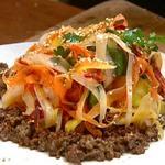 Индийский морковный салат с бараниной от Джейми Оливера