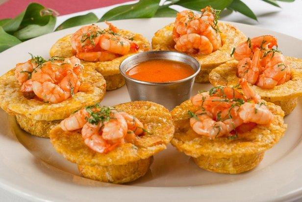 Закуска «Тостонес» (блюдо Антильских островов)