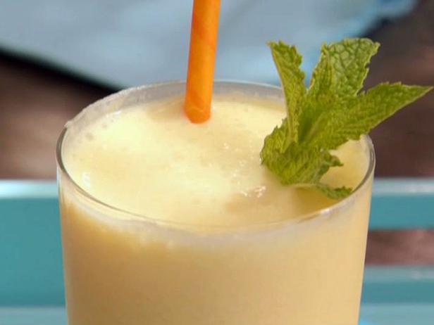 Фото Мангово-йогуртовый смузи с белым ромом