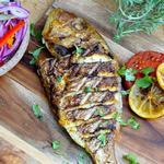 Рыба, копченая целиком по-карибски