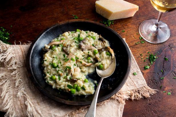 Рис с грибами и зеленым горошком