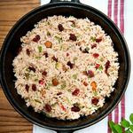 Индийский пилав из риса с изюмом