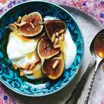 Цитрусовый йогурт с инжиром