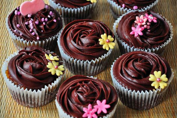 Кексы с шоколадным кремом ганаш