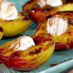 Десерт с персиками в сиропе