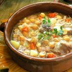 Испанское рагу «Косидо» из нута и мясного ассорти