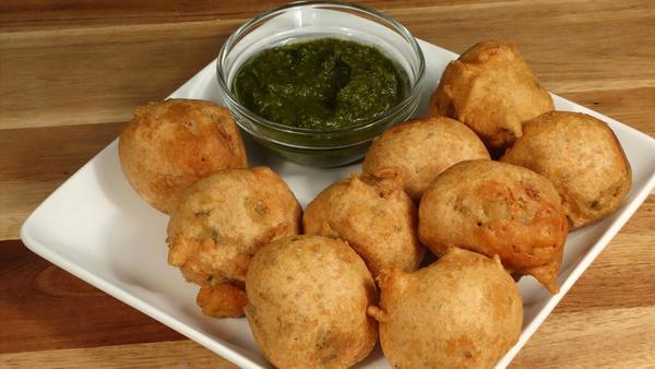 Острые картофельные котлеты «Бхуджиа»