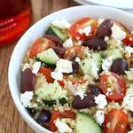 Греческий салат Хориатики с киноа