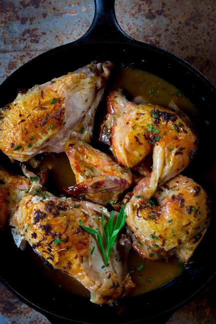 Курица жареная на сковороде по-гречески