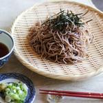 Холодная японская лапша соба с дип-соусом