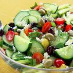Греческий салат «Хориатики» с мятой