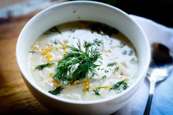 Авголемоно с пастой орзо (греческий куриный суп с яично-лимонной заправкой)