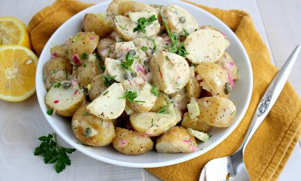 Фото Пататосалата (греческий картофельный салат)