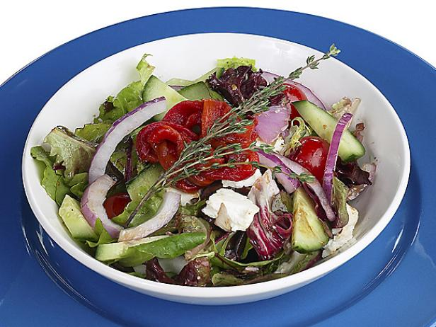 Хориатики (греческий салат с сыром фета)