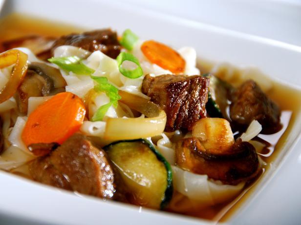 Фото Японская лапша с мясом и овощами