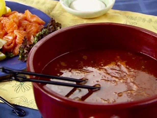 Пикантный томатный сябу-сябу с морепродуктами