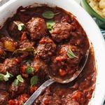 Греческие фрикадельки в томатном соусе
