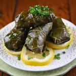 Долма (фаршированные мясом виноградные листья)