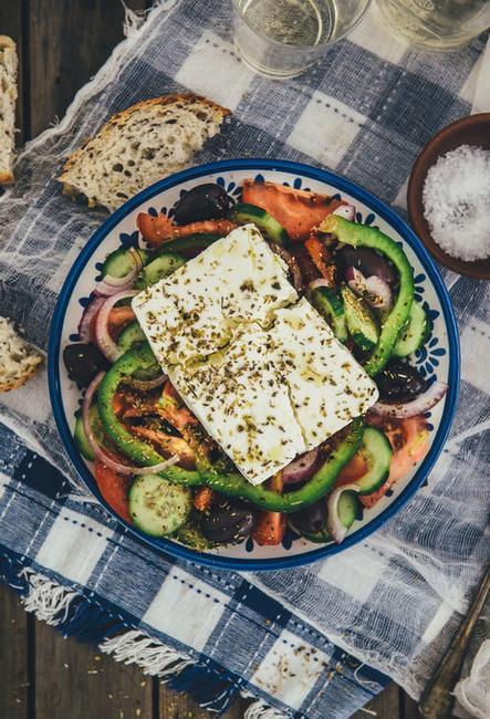 Фото Греческий салат с фетой «Хориатики»