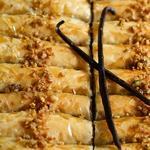 Пахлава в виде роллов «Дамские пальчики» с ореховым миксом