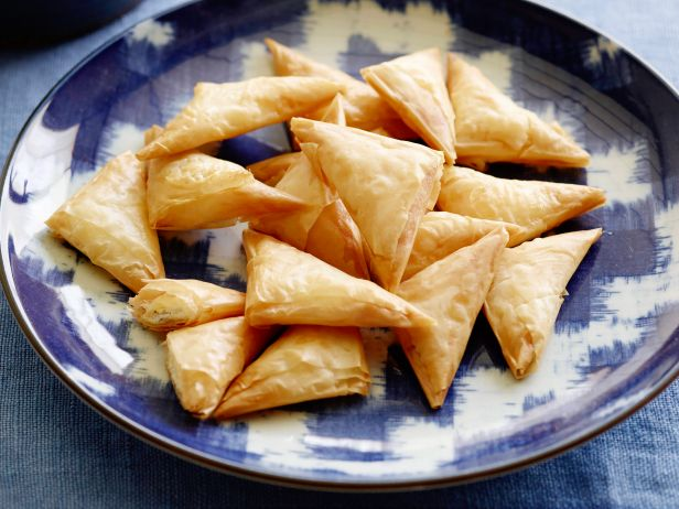 Тиропитакья (греческие пирожки с сыром)