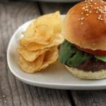 Гамбургер с котлетой из баранины