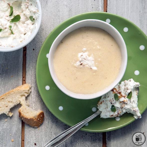 Греческий суп с траханой (домашними высушенными макаронными изделиями)