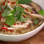 Вьетнамский суп Фо Га (суп-лапша с курицей)