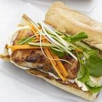 Вьетнамский сэндвич «Бан ми» с рыбой