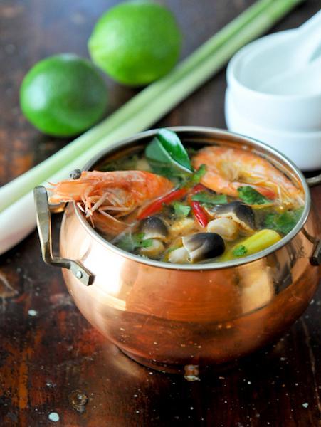 Остро-кислый тайский суп с креветками «Том ям кунг» (Tom Yum Goong)