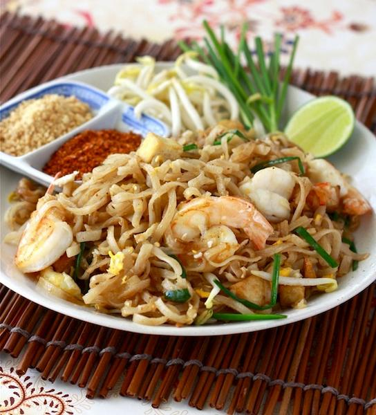 Жареная тайская лапша «Пад тай»
