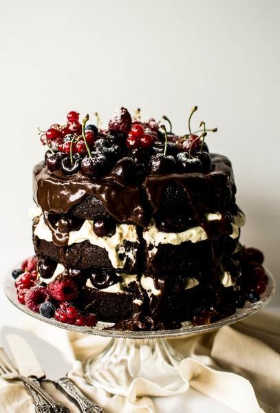 Фото Классический торт «Черный лес»