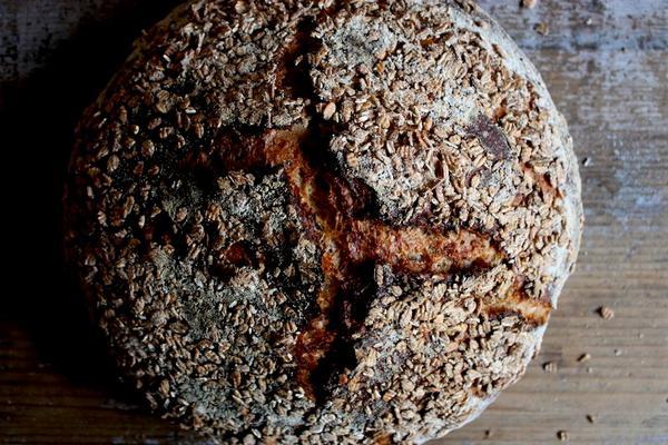 Фото Волькорнброт (немецкий ржаной хлеб с цельным зерном)