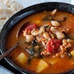 Португальский суп с нутом и капустой кале