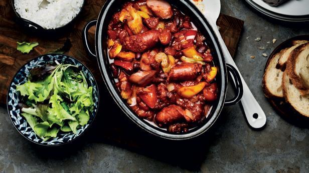 Португальское рагу из фасоли с колбасками