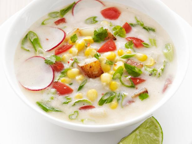Фото Молочный суп с картофелем и кукурузой по-тайски