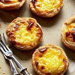 Португальские пирожные с заварным кремом на желтках «Паштел-де-ната»