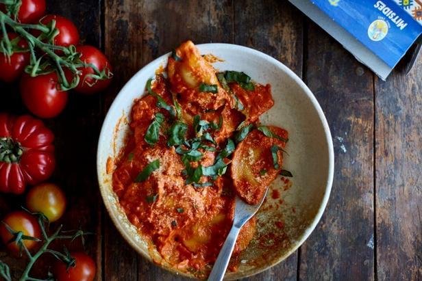 Фото Равиоли с треской и картофелем с португальским томатным соусом
