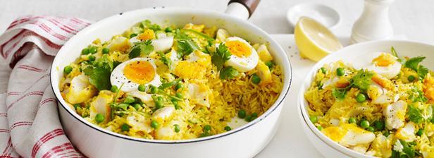 Теплый салат с рисом и треской